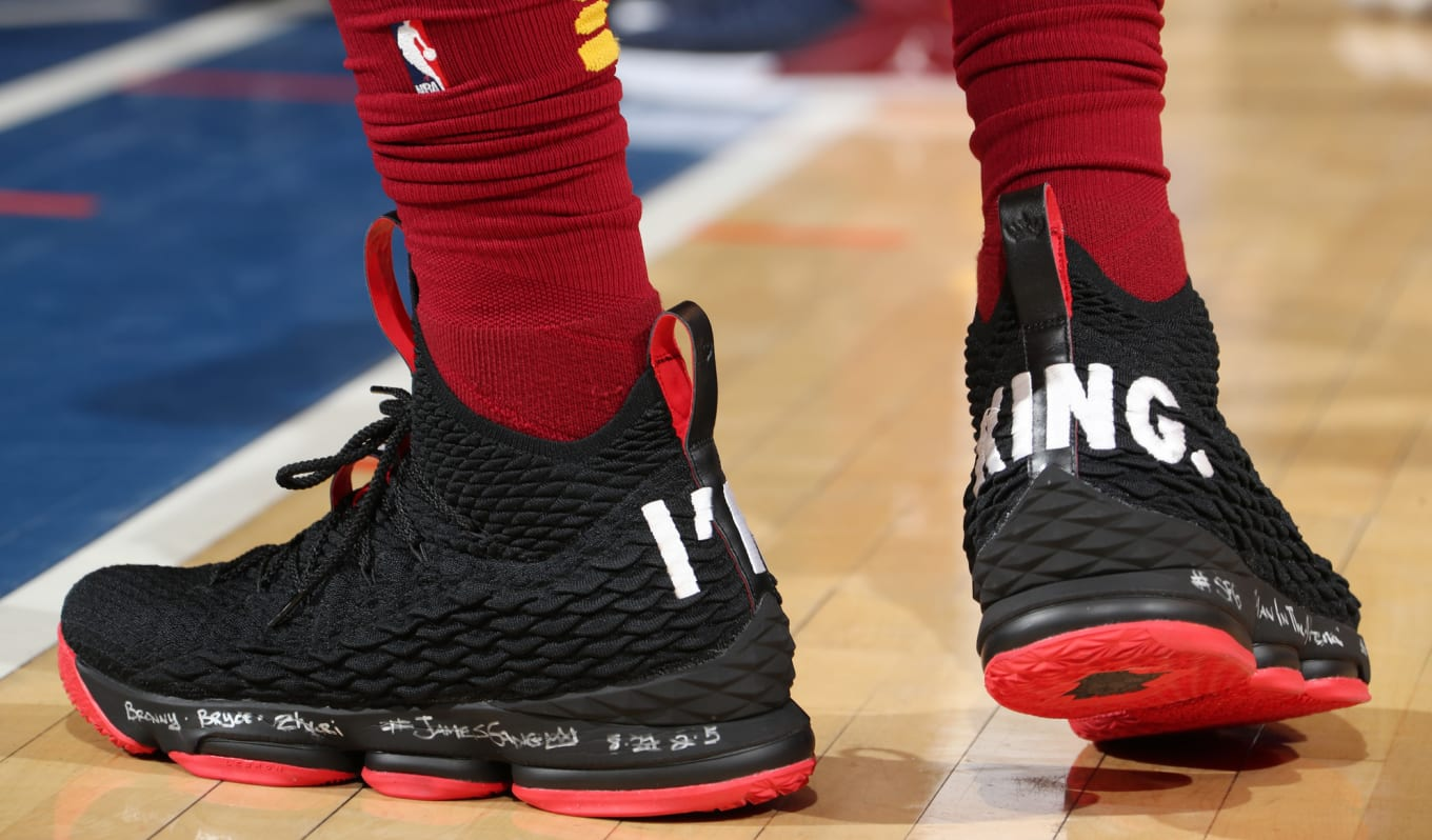 32af3277d3a ... James Trolls Knicks with Nike PEs.  I m King  LeBron 15s.