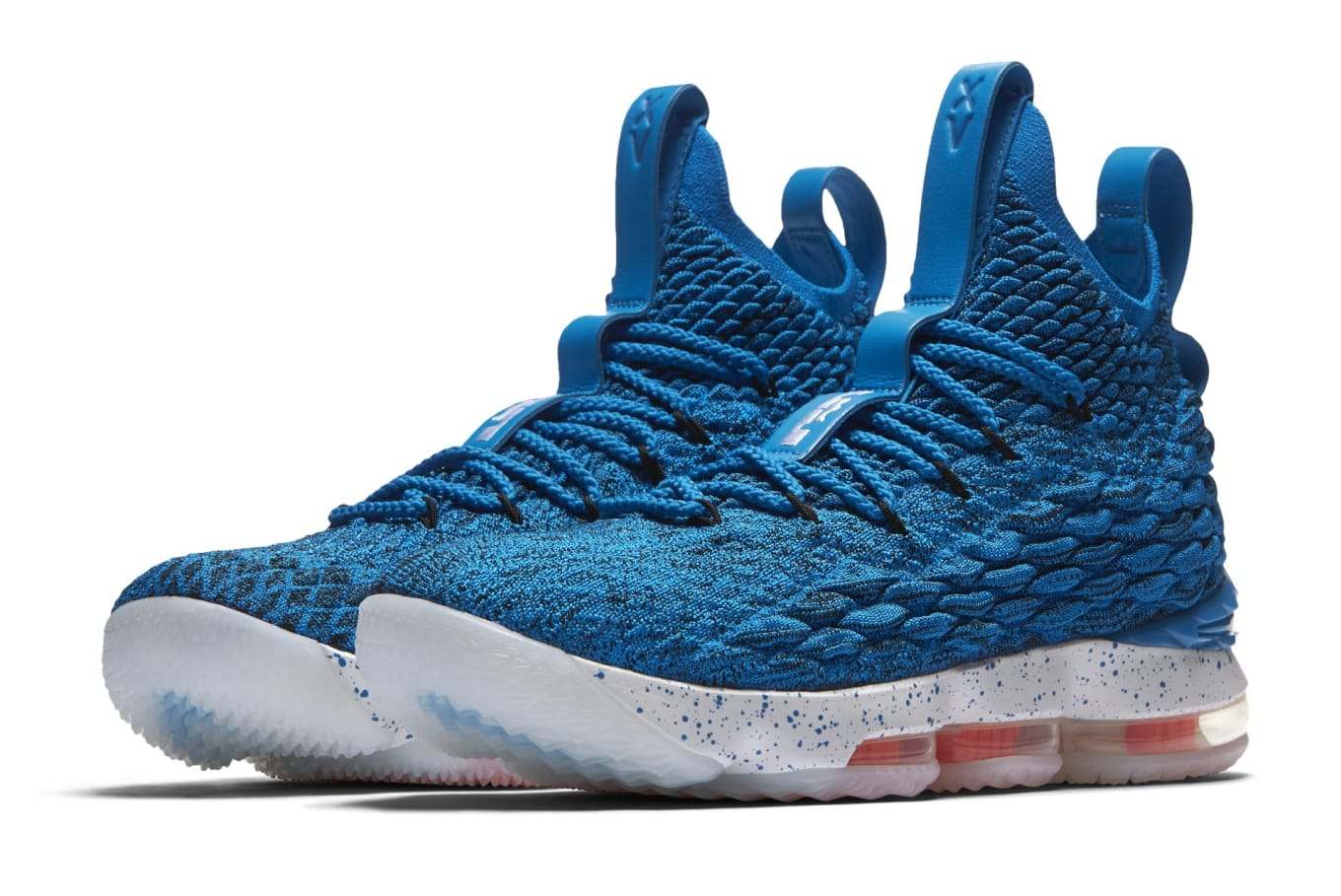1c8b95941c52a The  Hardwood Classics  Colorway Comes to the LeBron 15