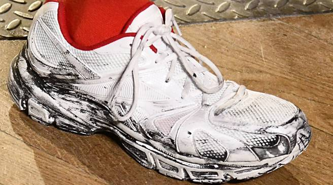 f0f664d17142f3 Reebok Is Releasing More Dirty Runners With Vetements