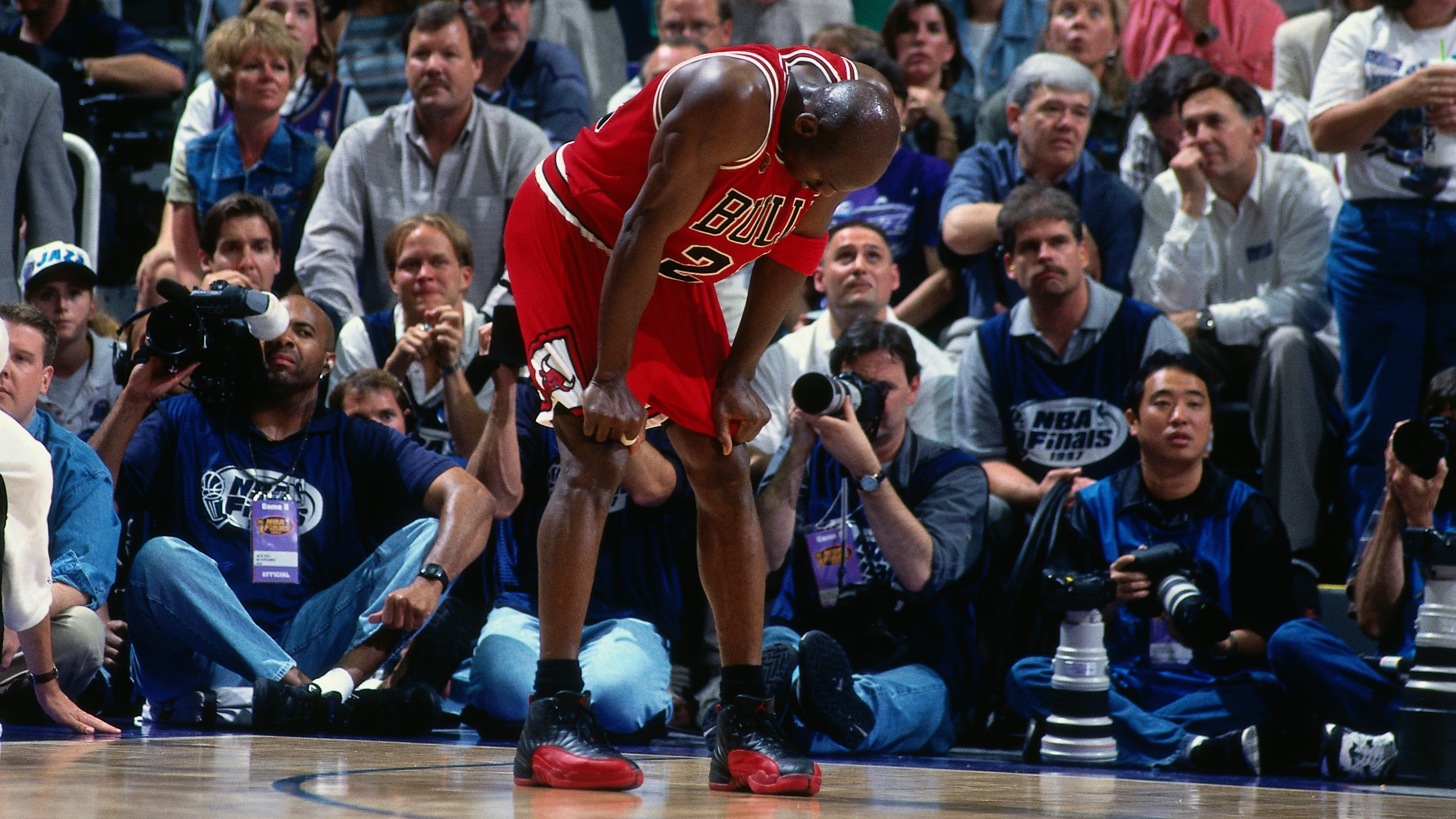 size 40 92559 86524 What Really Happened During Michael Jordan s Flu Game