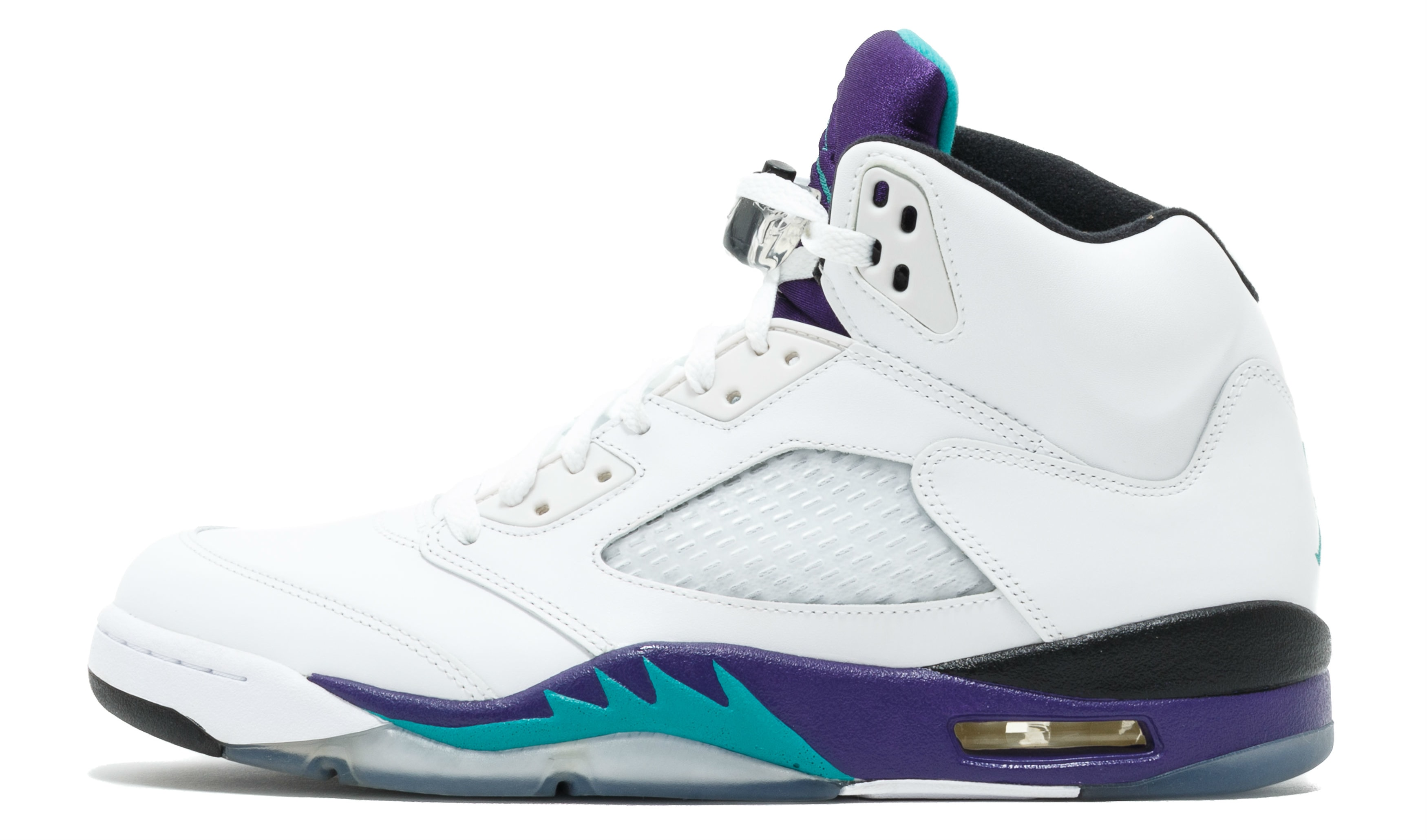 9f59ea190818 One of the most beloved non-Bulls Air Jordan colorways is coming back with  in limited-edition fashion