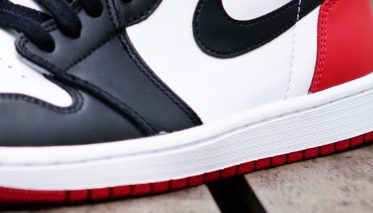 sale retailer 93f05 33fcb Air Jordan 1 Black Toe 2016 555088-125 | Sole Collector
