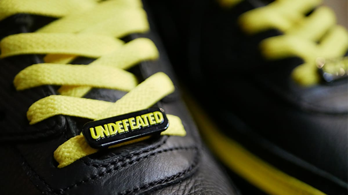 Best Look Yet at Undefeated's Air Max 90s Dropping This Month