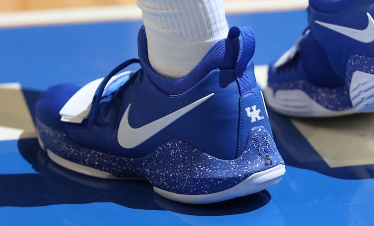 Kentucky Basketball Our First Look At The New Wildcats In: Nike PG1 Kentucky Wildcats PE