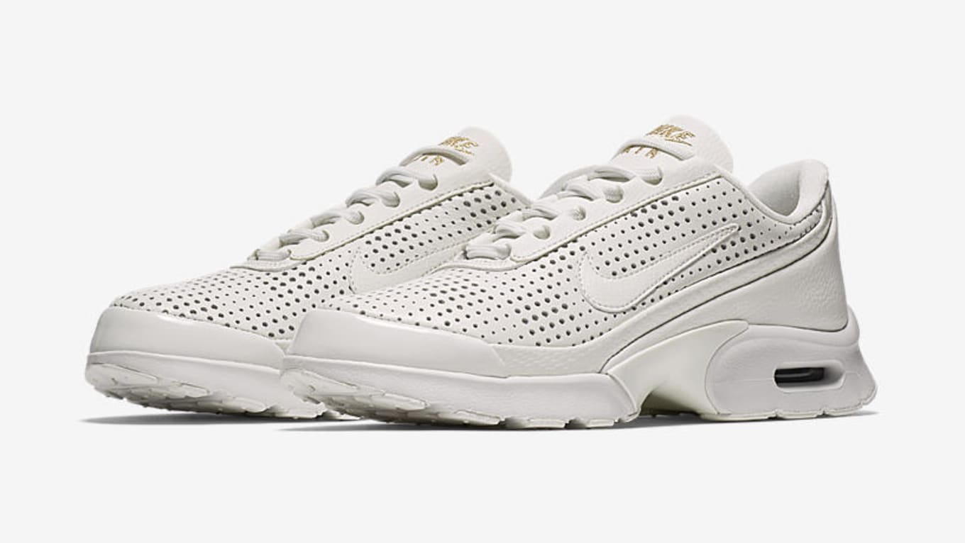 new style 4dcd3 9d67f Nike Is Releasing Premium Sneakers Exclusively for Women