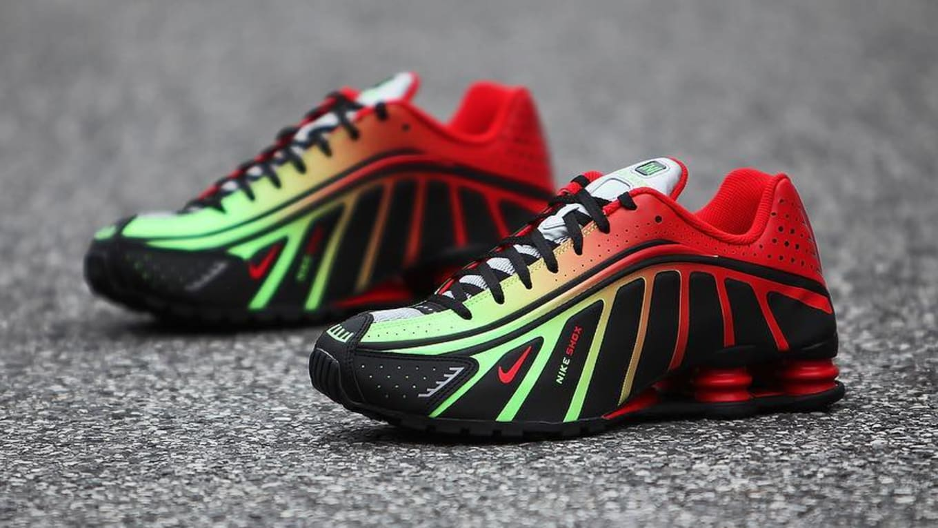 size 40 e63dc a72c2 Best Look Yet at Neymar s Nike Shox R4
