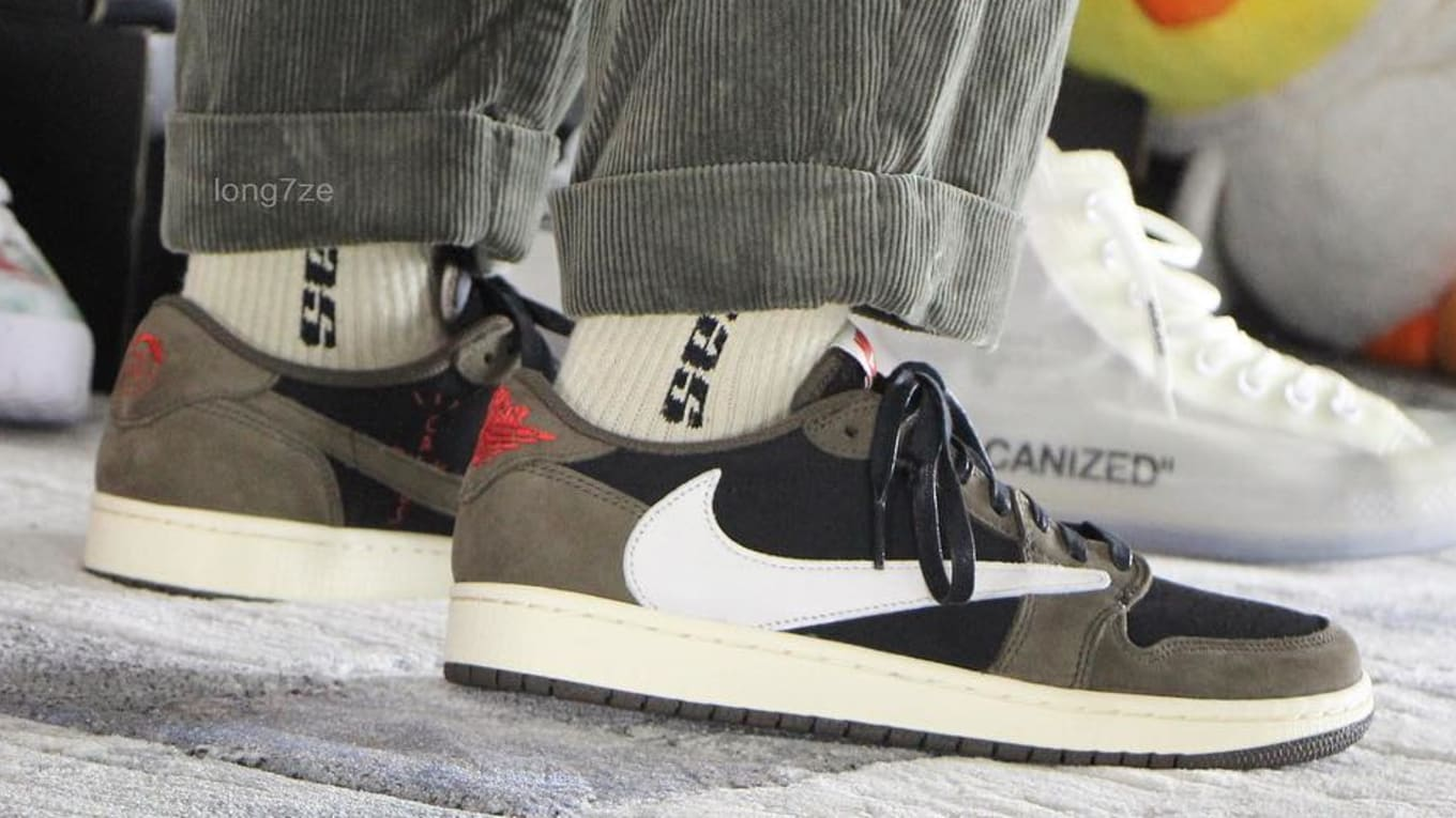 uk availability a67f9 d4362 Best Look Yet at the Travis Scott x Air Jordan 1 Low