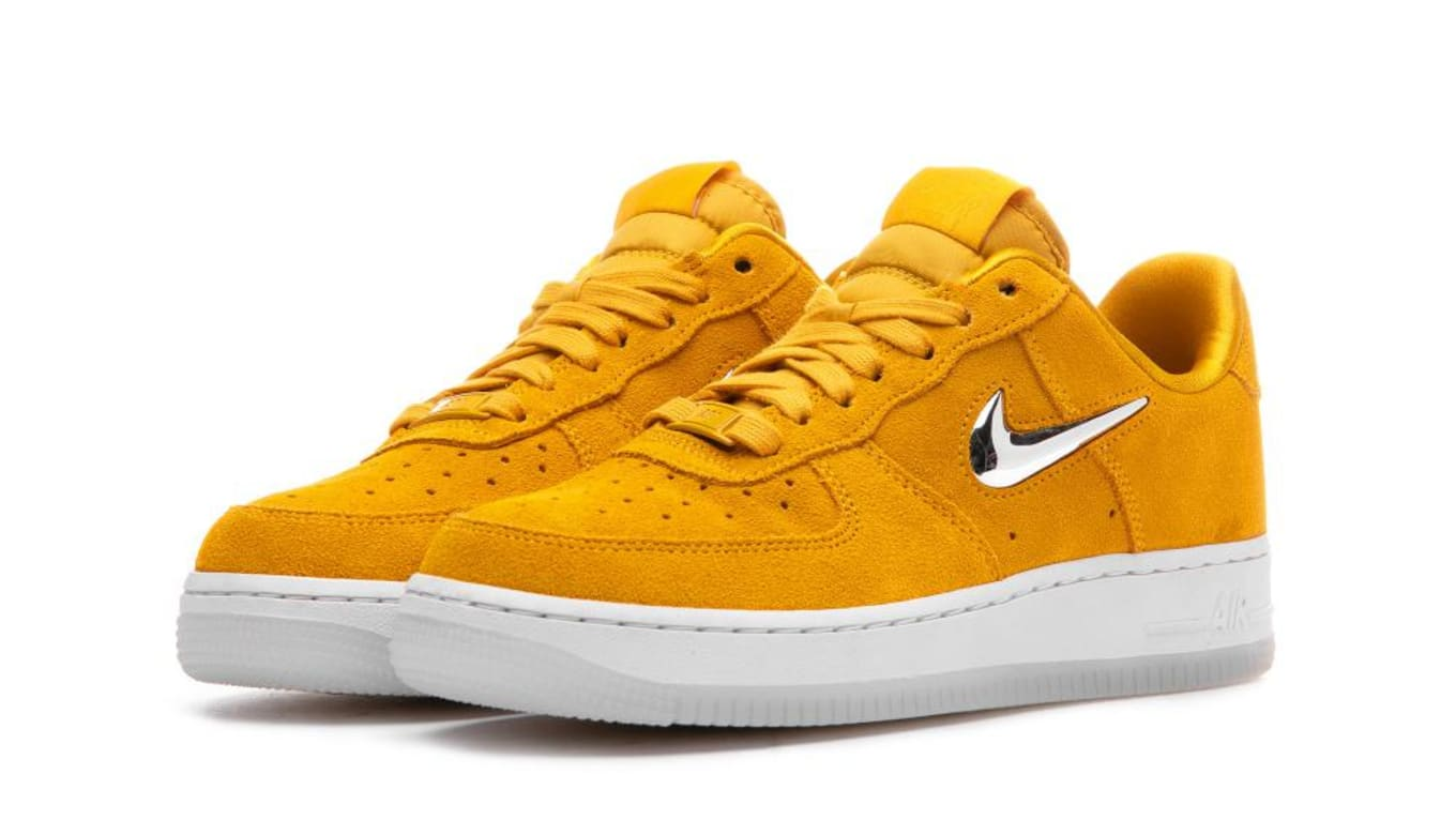 reputable site 04cf9 8cf85 Nike Air Force 1 '07 Premium LX Yellow Ochre/Metallic Silver ...
