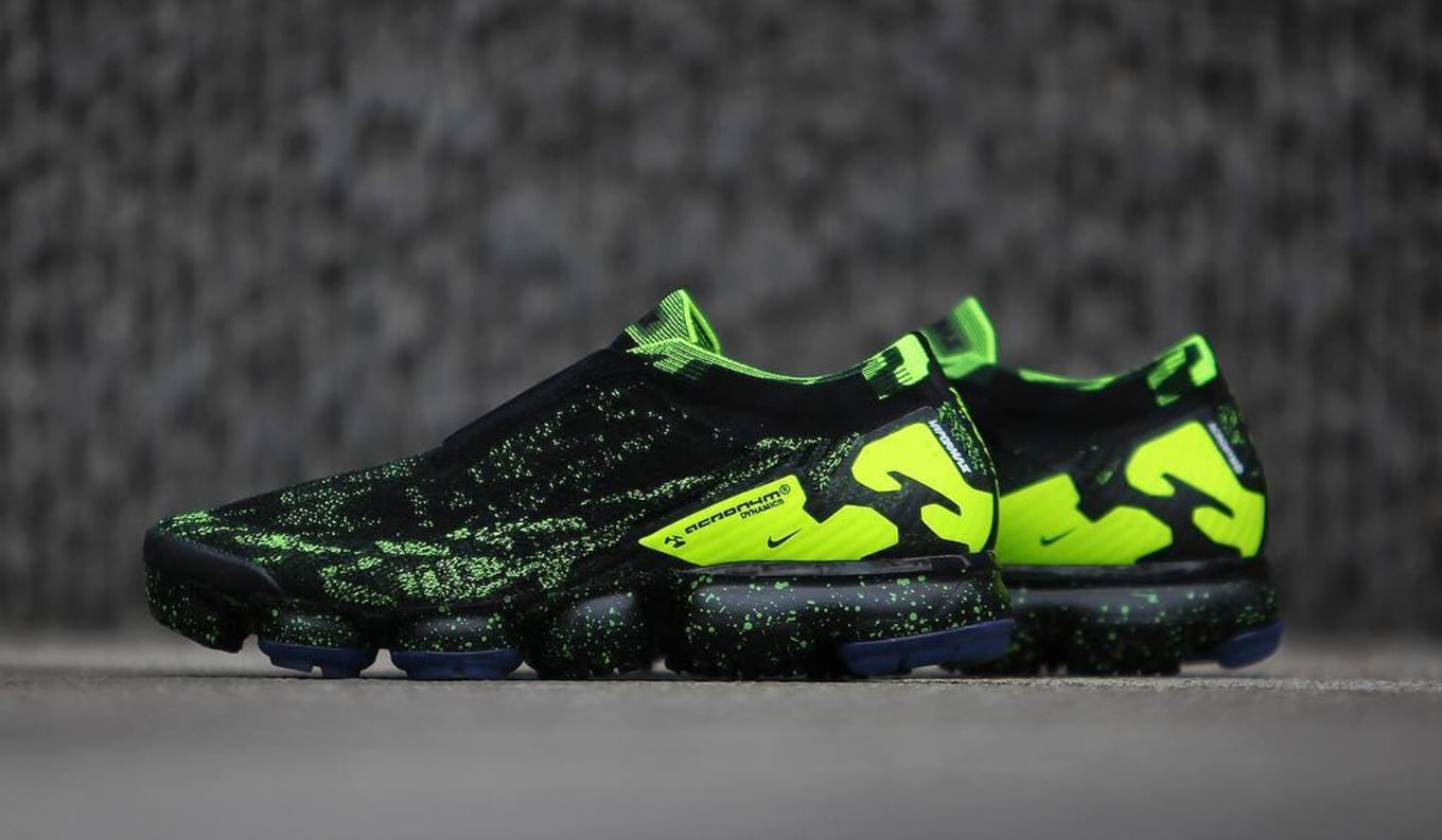 cc52066c5d61b Acronym x Nike Air VaporMax Moc 2 Black Volt AQ0996-007 Detailed ...