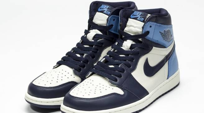 d069e47eb Better Look at the Latest UNC-Inspired Air Jordan 1
