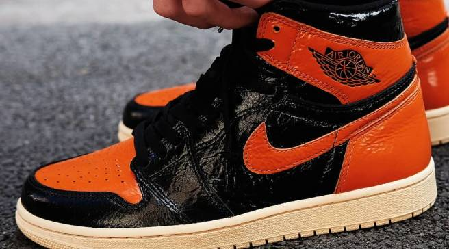 6259952ff95 Detailed Look at the 'Shattered Backboard 3.0' Air Jordan 1