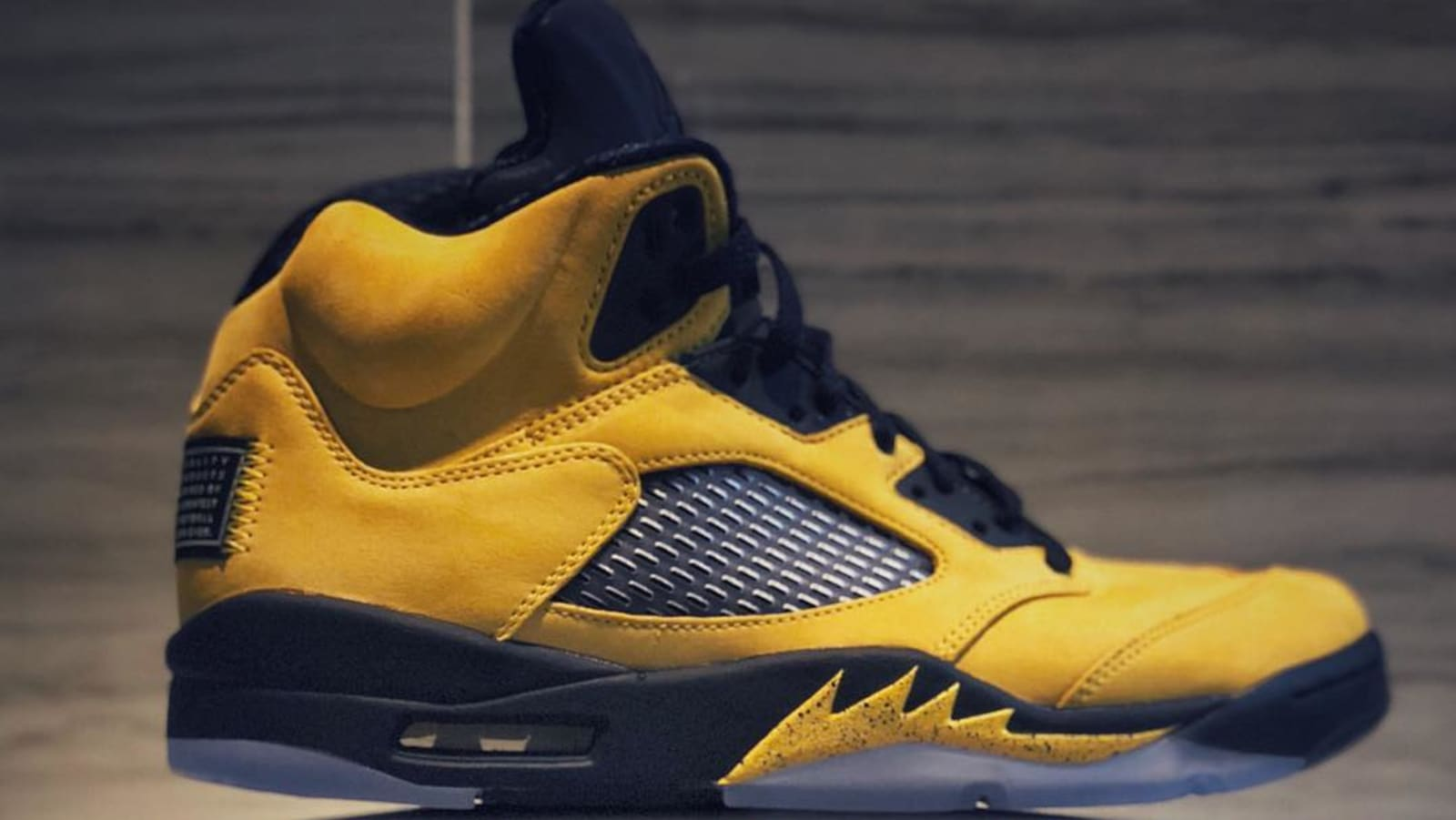 innovative design 73844 aa58b Air Jordan 5 Retro SP