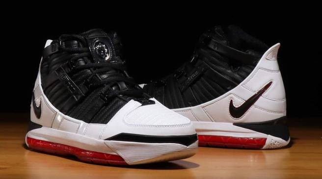 72fab9dce71 The Nike Zoom LeBron 3  Home  Is Almost Here