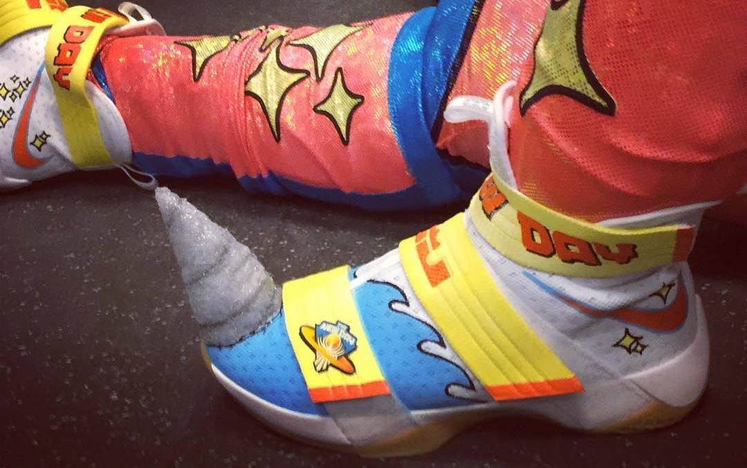 buy popular ccbb9 dddfb Kofi Kingston Unicorn Nike LeBron Soldier10 Custom   Sole Collector
