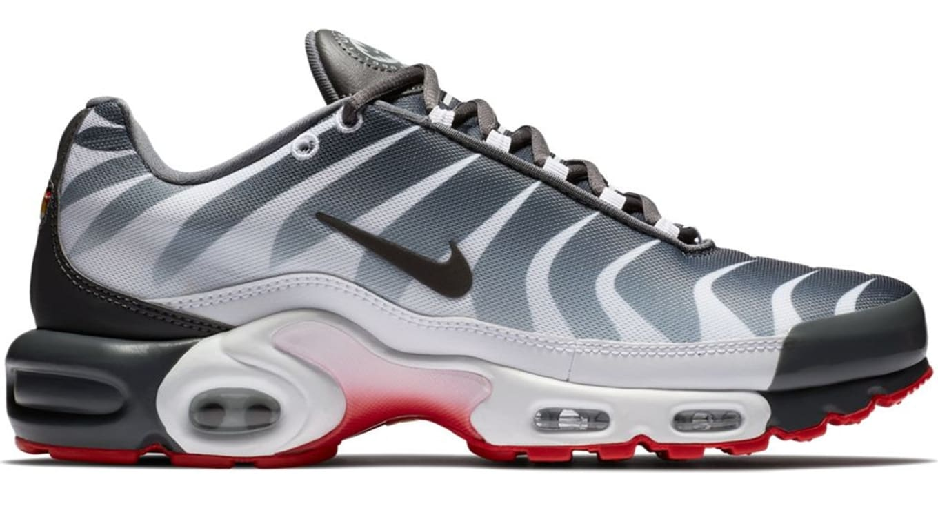 competitive price 0e2d8 910cd Nike Air Max Plus  Before and After the Bite  Pack
