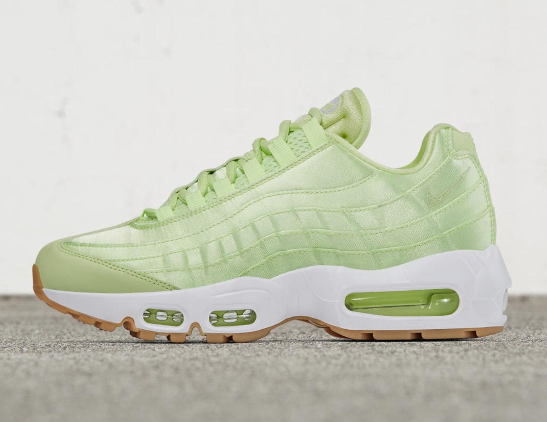 separation shoes 2ce88 ed00e Nike Air Max 95 Satin