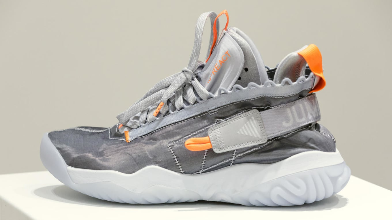 online store cc6c4 636ee First look at the Proto-React.