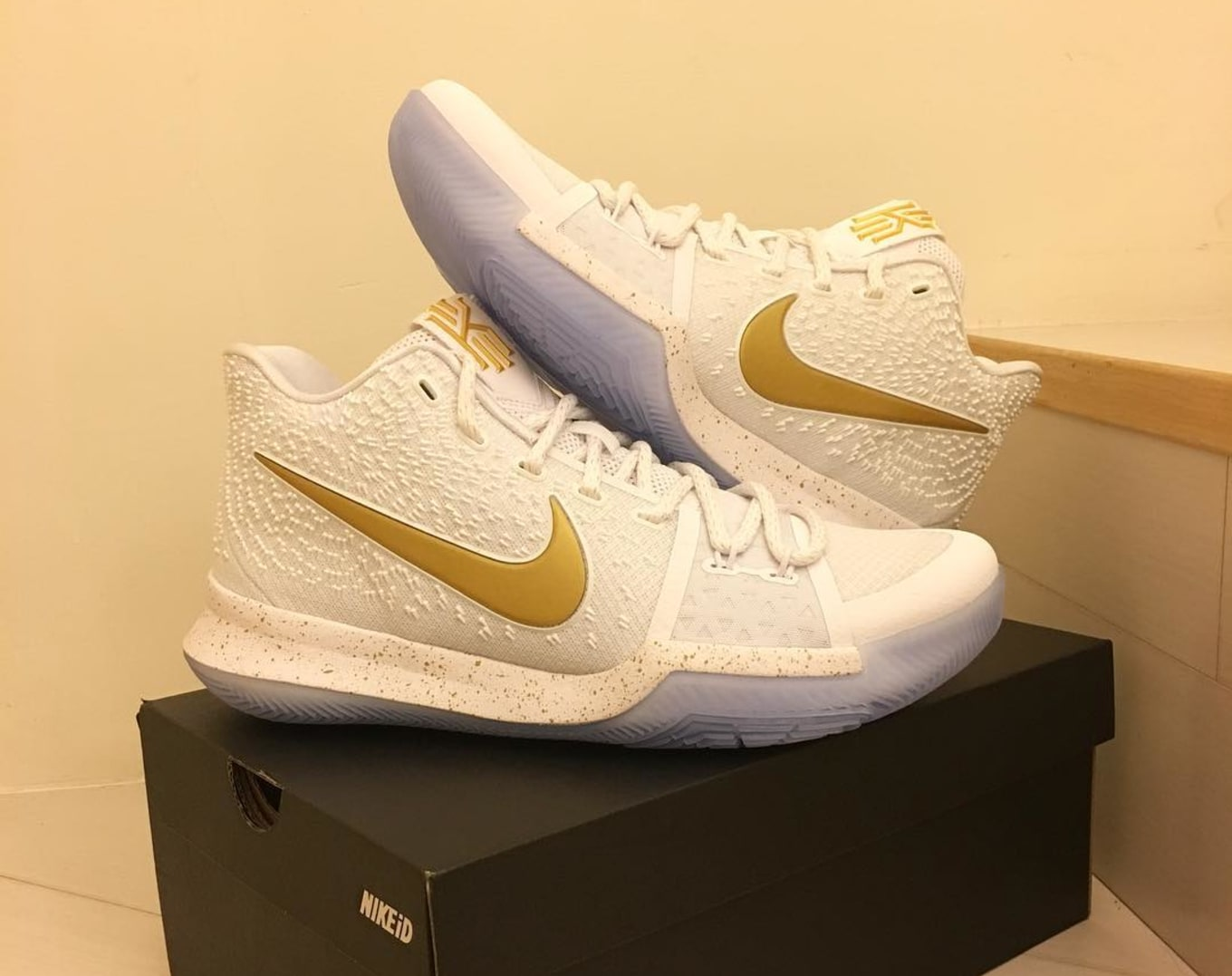 4d41b155c86a australia nike kyrie 3 christmas basketball shoe mens white gold 8d695  77132  uk the best nike id kyrie 3 designs sole collector 98b90 6f49a