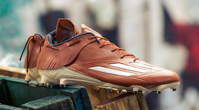 d07f986421a DeAndre Hopkins Has Adidas Cleats That Look Like Moccasins