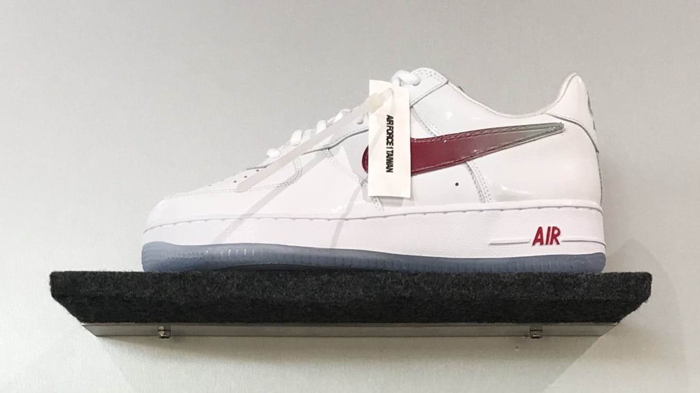separation shoes 35f1d a7356 Nike Air Force 1 Low