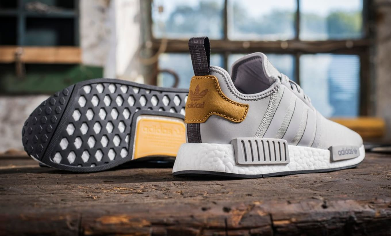 Foot ExclusiveSole Collector Master Craft Adidas Locker Nmd PX80Onwk