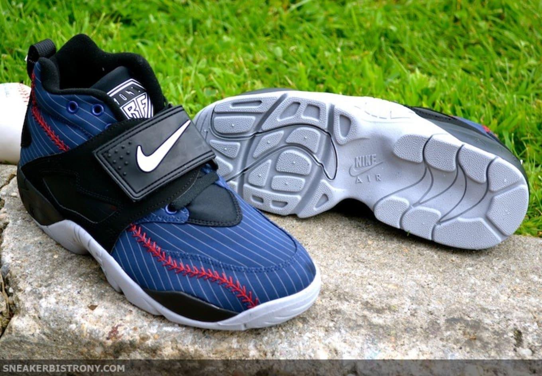 quality design 057bb 03a80 Nike Air Diamond Turf