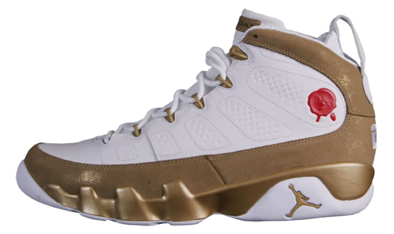 purchase cheap 9a959 04c91 2010  Air Jordan 9 Retro Premio