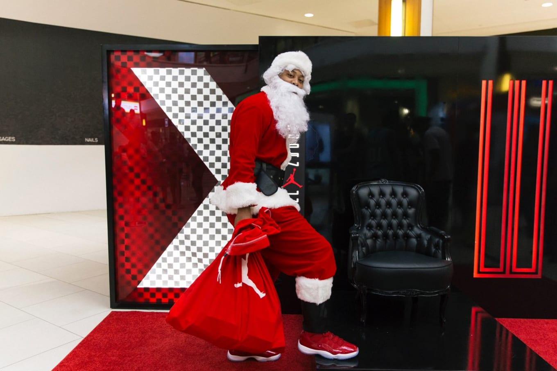 40d03b97b0c Air Jordan 11 Early Release Santa Claus