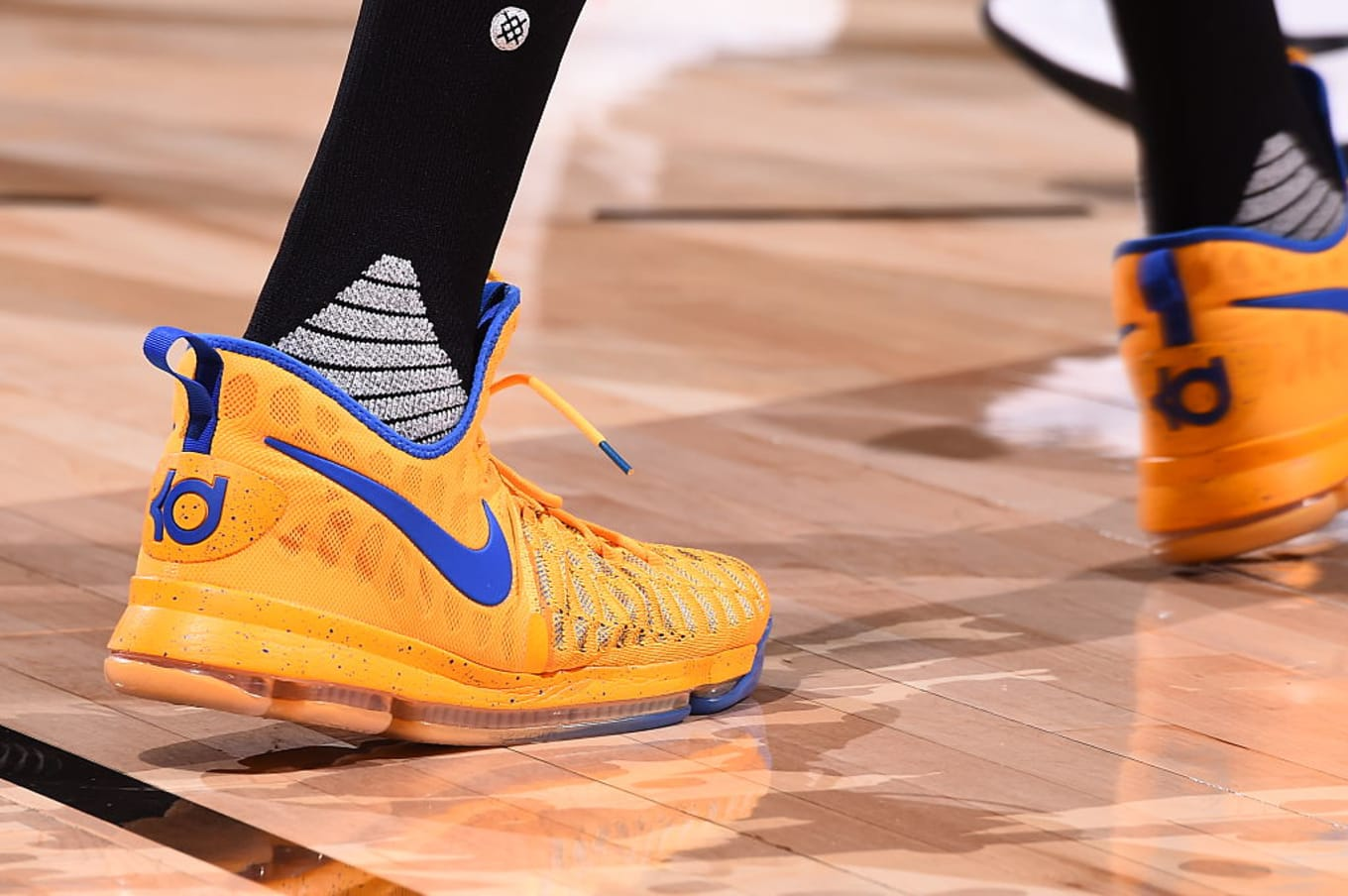 wholesale dealer 625ea 81f72 Kevin Durant wearing Yellow/Blue Nike KD 9 PE | Sole Collector