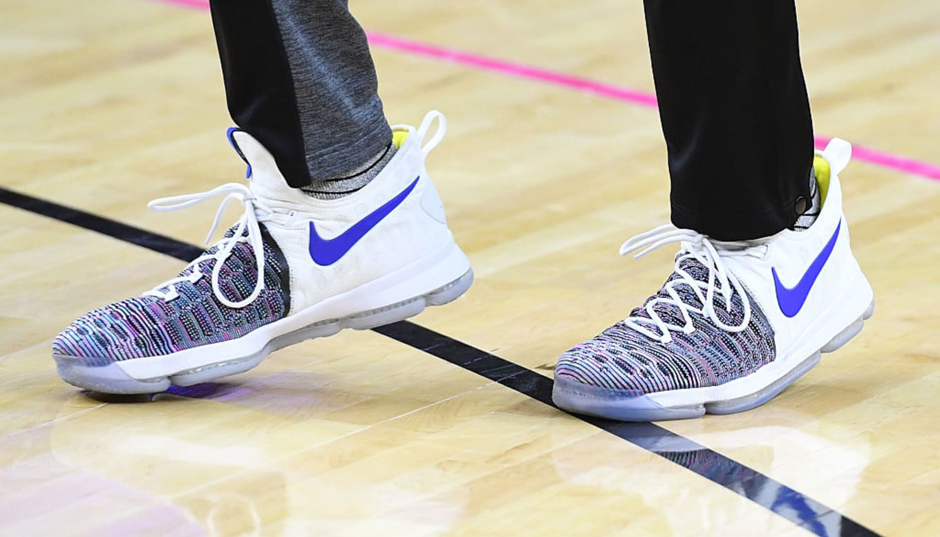 37247cce46b Kevin Durant Wears Nike KD 9 Warriors Multicolor