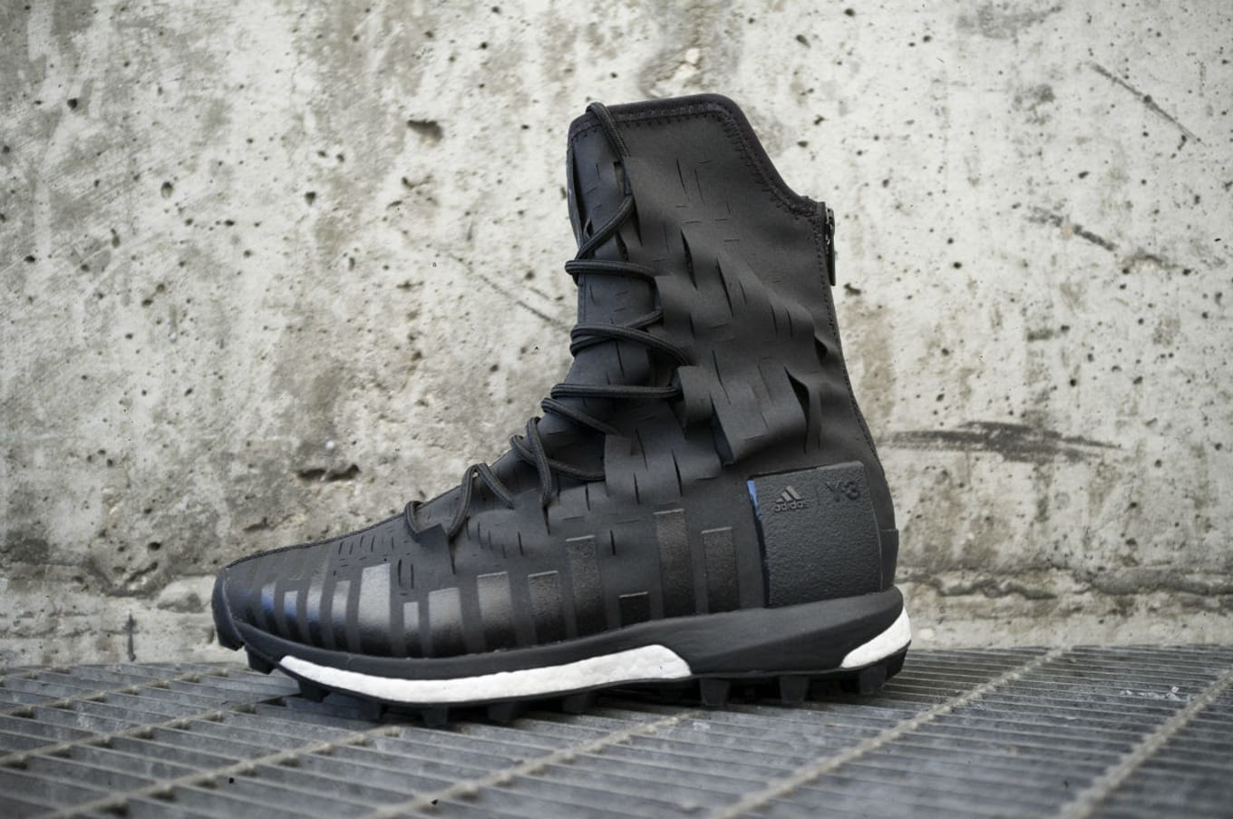 901ea2bf8f2a1 Introducing the Y-3 Sport Evasion High Ultra Boost.