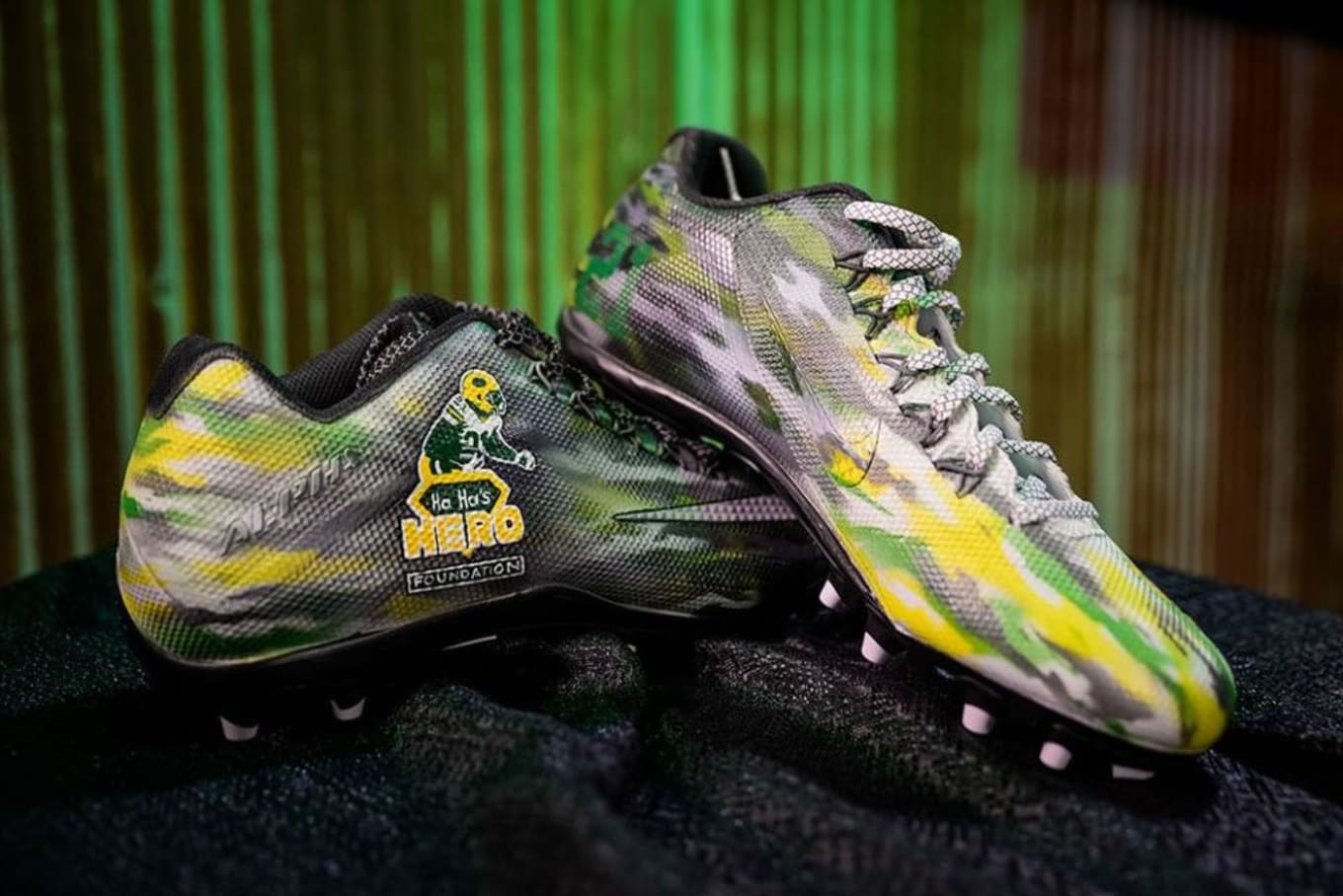 best service 71327 f50fd NFL Cause Custom Cleats | Sole Collector