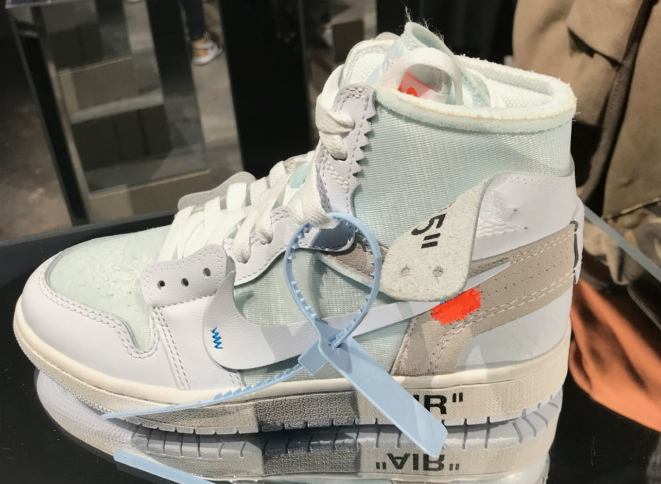 4397b704229765 Off-White x Air Jordan 1 Women s Release Date