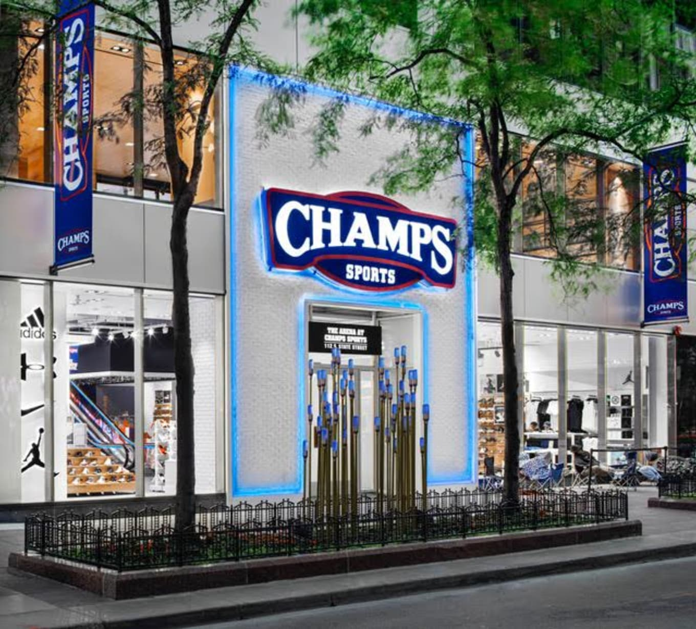 Champs Sports Chicago State Street  2976532d8