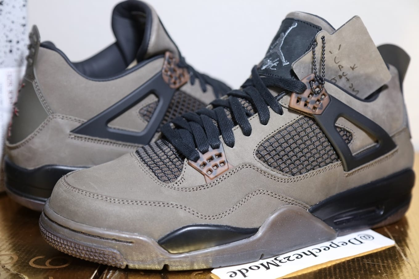 finest selection 540b3 9f5e3 Up Close Look At Travis Scott's 'Olive' Air Jordan 4 Collab ...