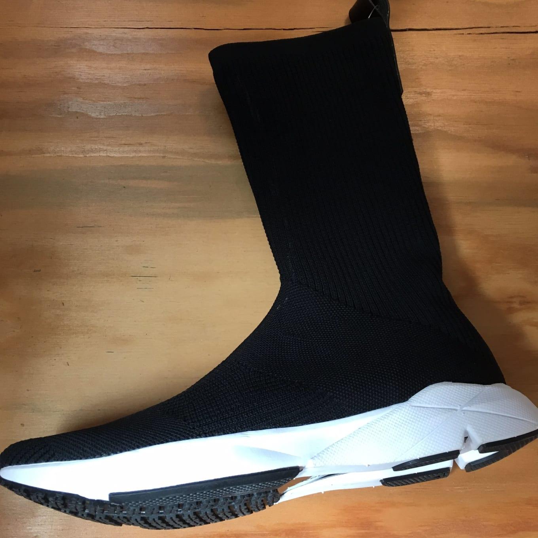 Parámetros Amplificar Huracán  Reebok Makes Its Own Sock Runner | Sole Collector