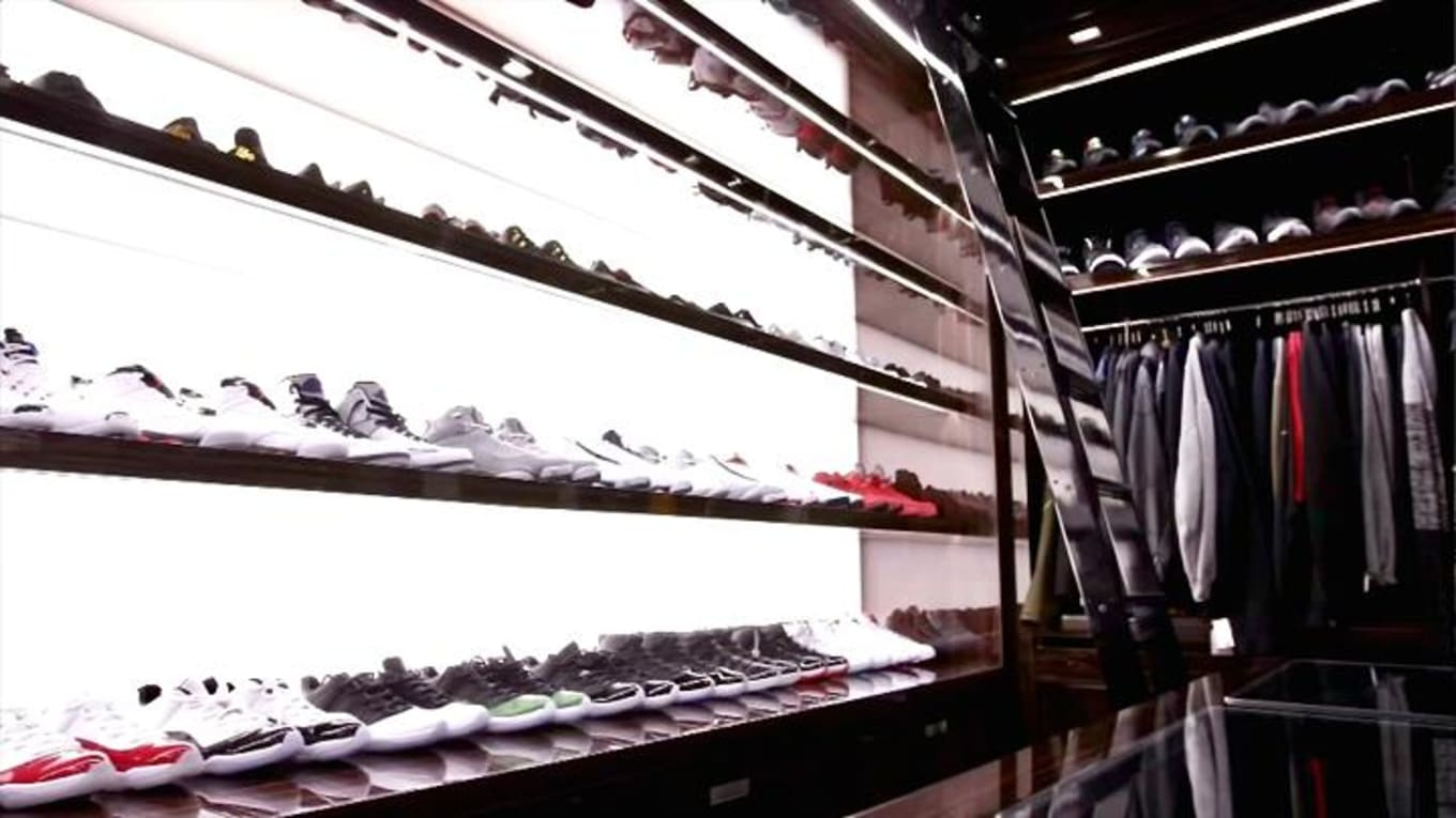 e70601d0edaa3a  20M Florida Home Features  100K Sneaker Closet