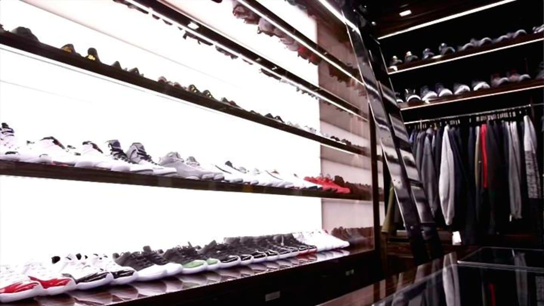 eda6e06ea8f092  20M Florida Home Features  100K Sneaker Closet
