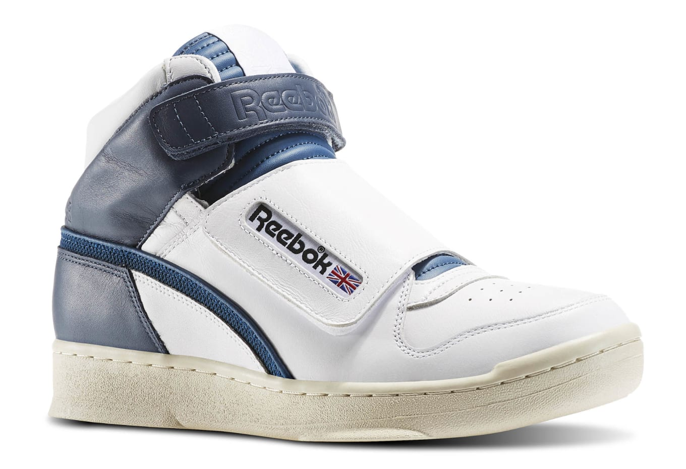 7bc4228478044 A new colorway of the Reebok Alien Stomper is available.