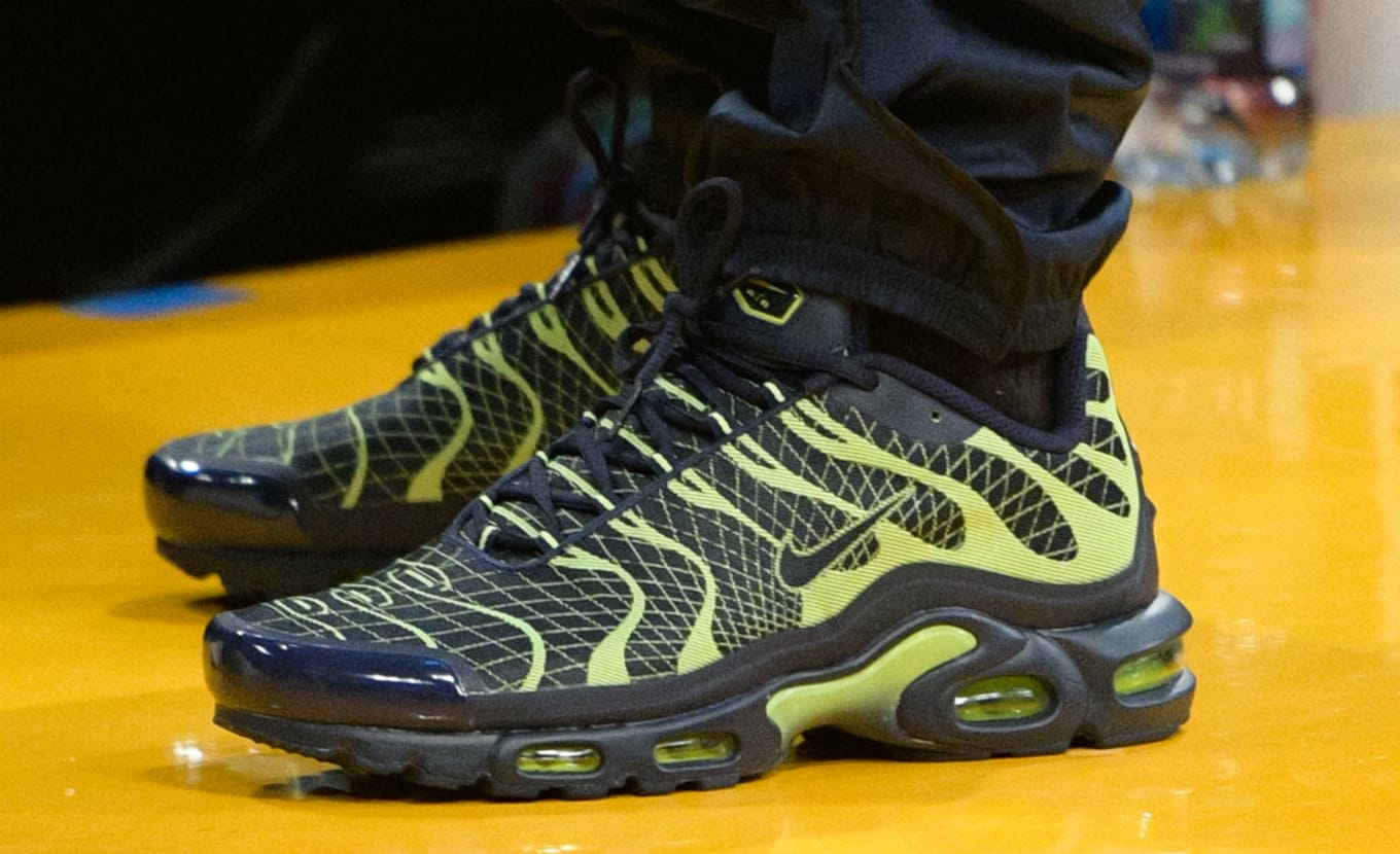 4e65b20f31 Drake Wearing the Navy/Volt Nike Air Max Plus Jacquard Shoes | Sole ...
