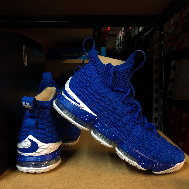Nike LeBron 15 Kentucky PE  79d4751ab