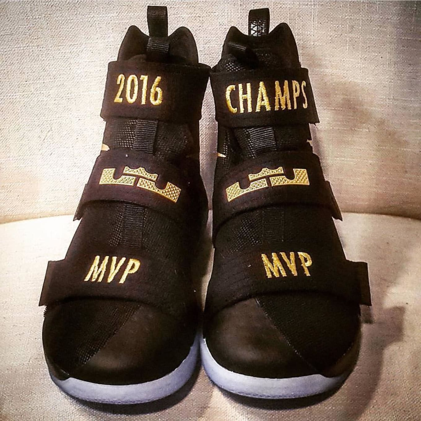 9bfd32fbcbe 10 Ways People Customized LeBron James' Championship Sneakers | Sole ...