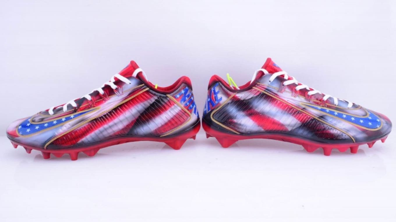 2b966e7aa30f Giants receivers will wear custom cleats on 9/11 anniversary.