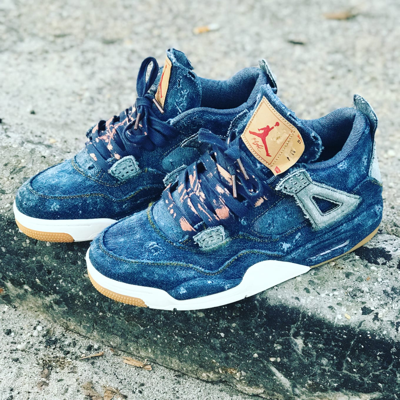 9e60b719c0941b 15.  Distressed   Bleached Laces  by Andres Munoz