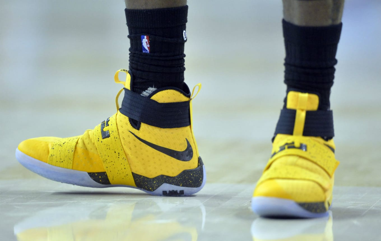 d498b5f974eb2 LeBron James Nike LeBron Soldier 10 Yellow PE