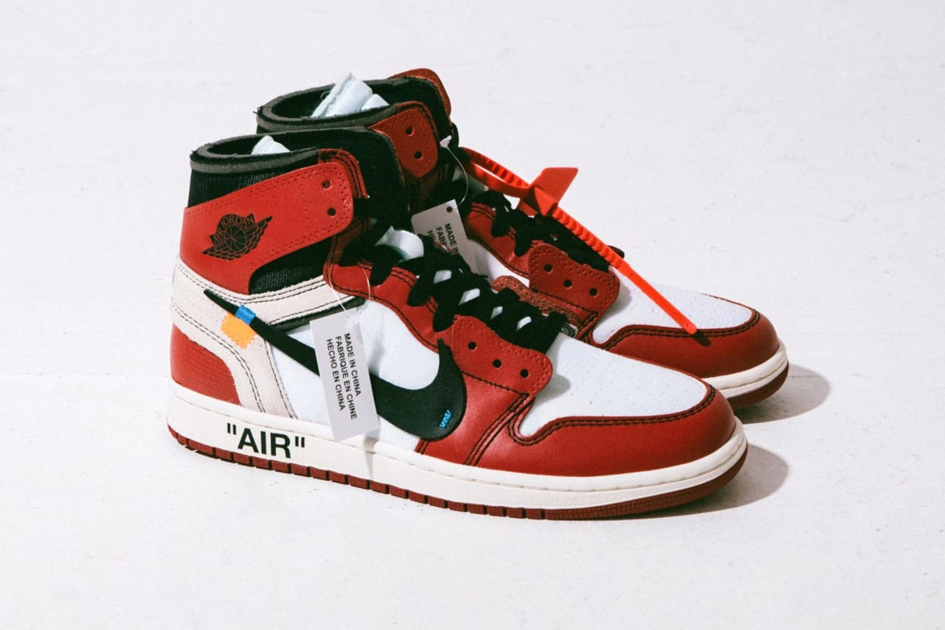 d661a025a44 Off-White x Air Jordan 1 in Detail AA3834-101