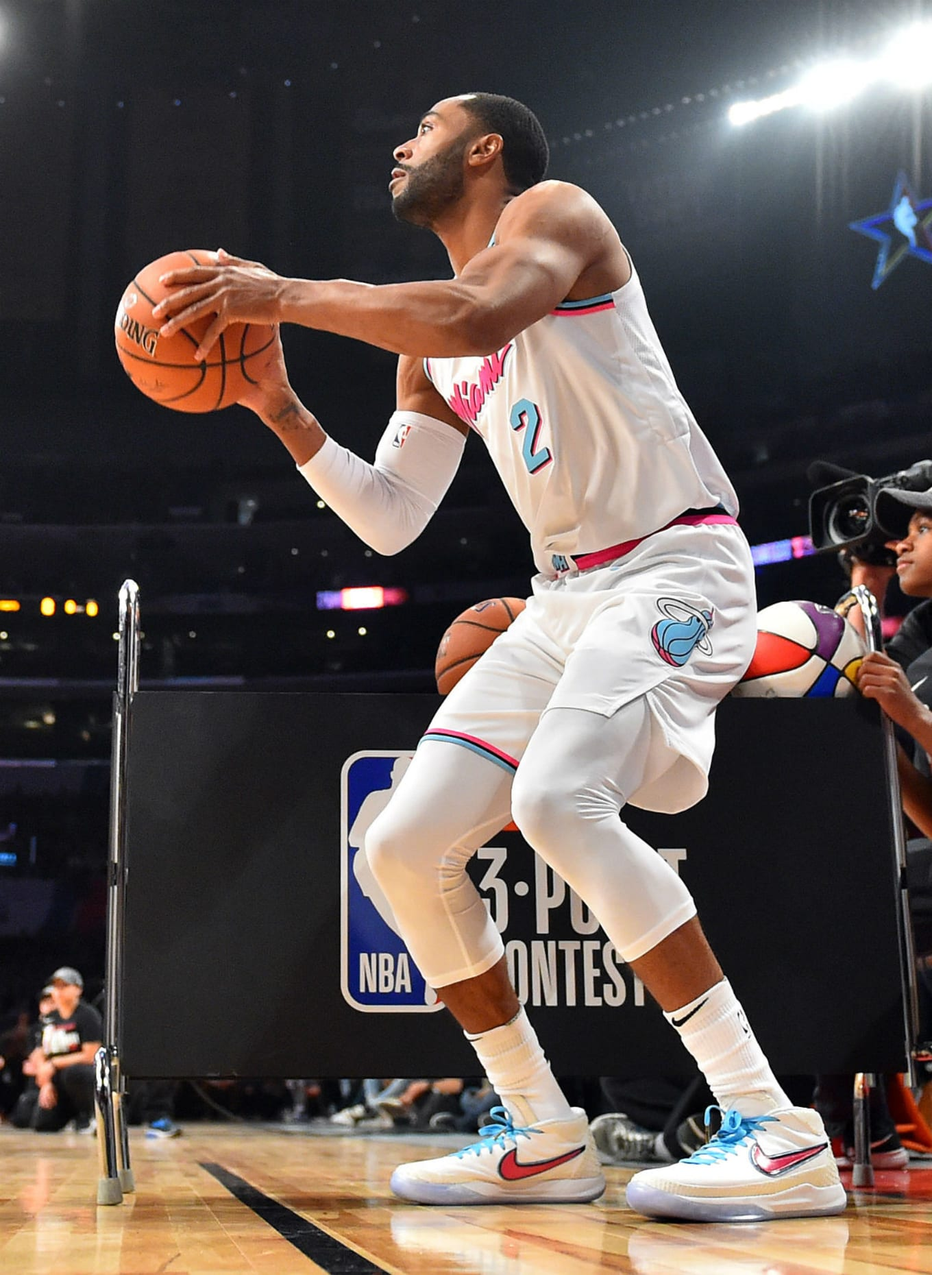 44b7c21ccc9d Bradley Beal Nike React Hyperdunk Low - NBA Three-Point Contest 2018 ...