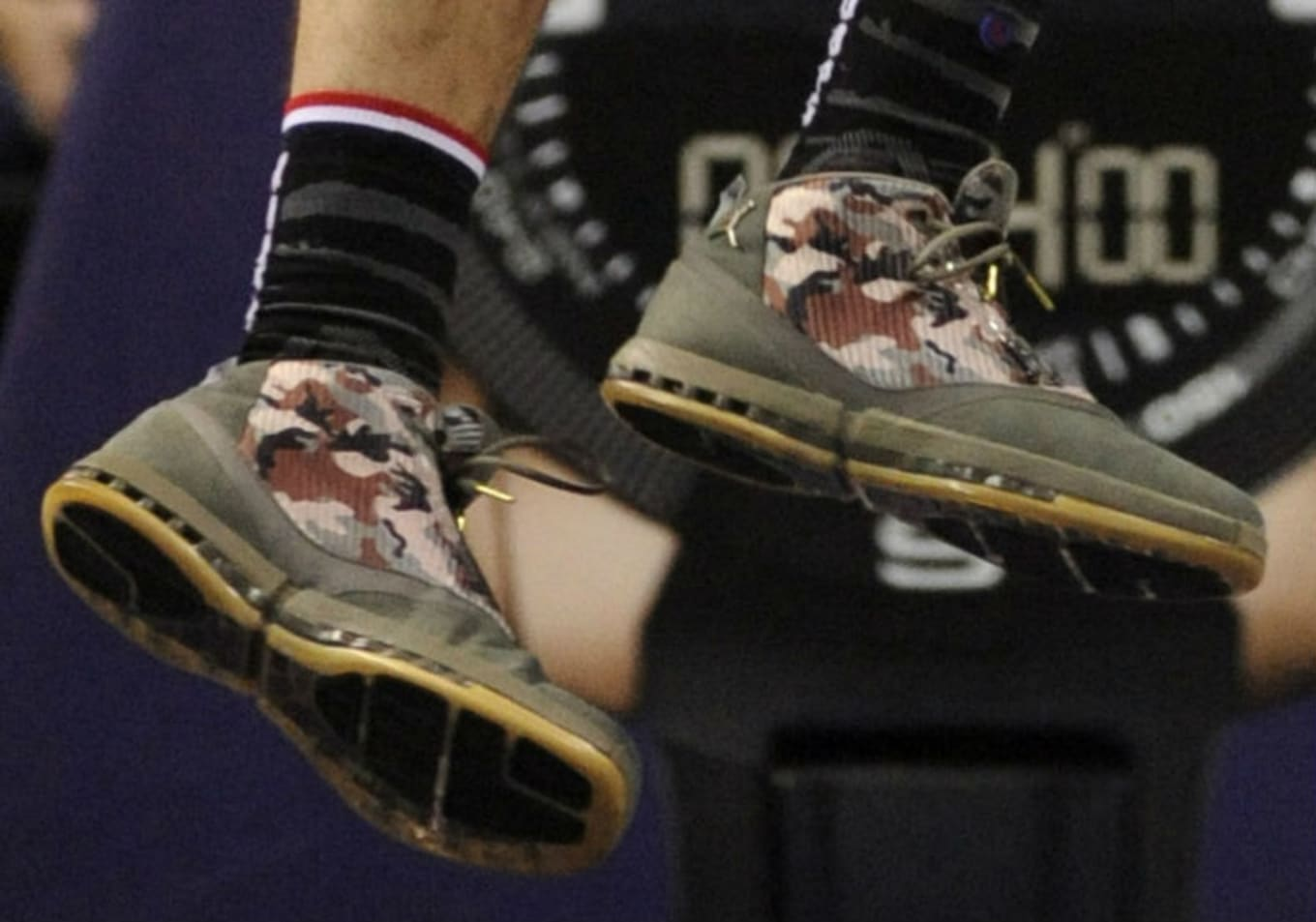 96080873d32887 Frank Kaminsky Wearing Air Jordan 16 Veterans Day PE Thumb