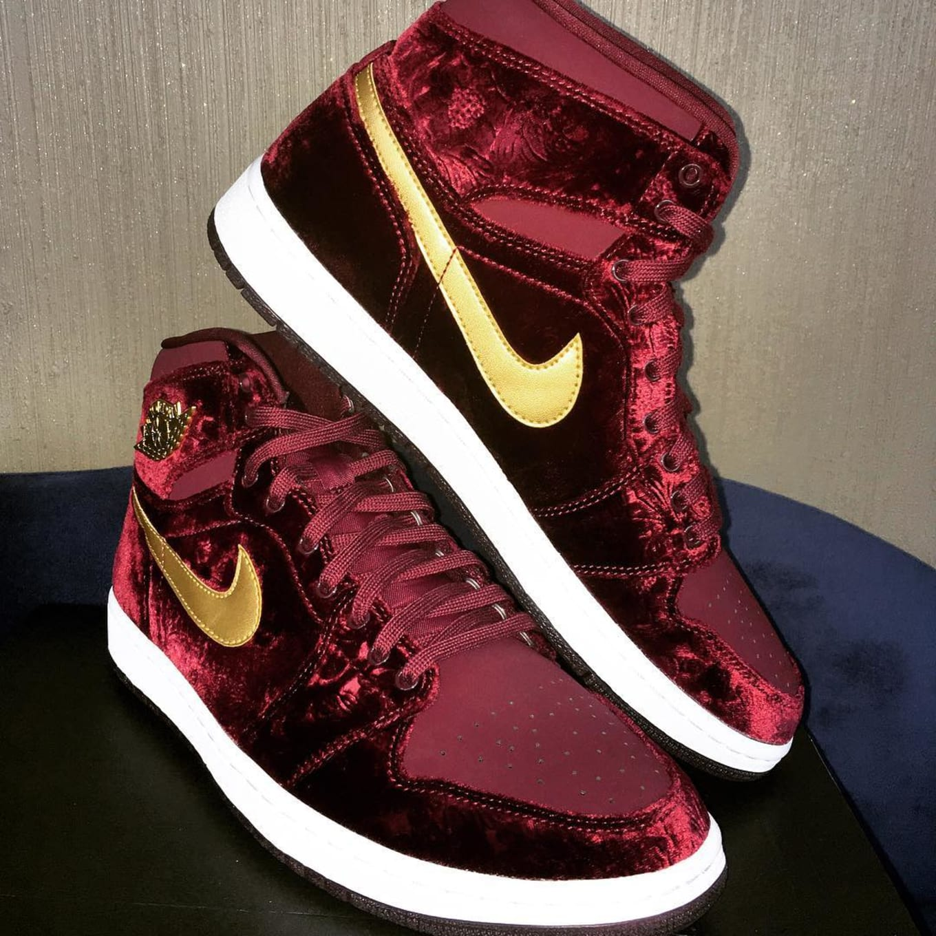 info for d6bfe f139b Official images for the Heiress Air Jordan 1.