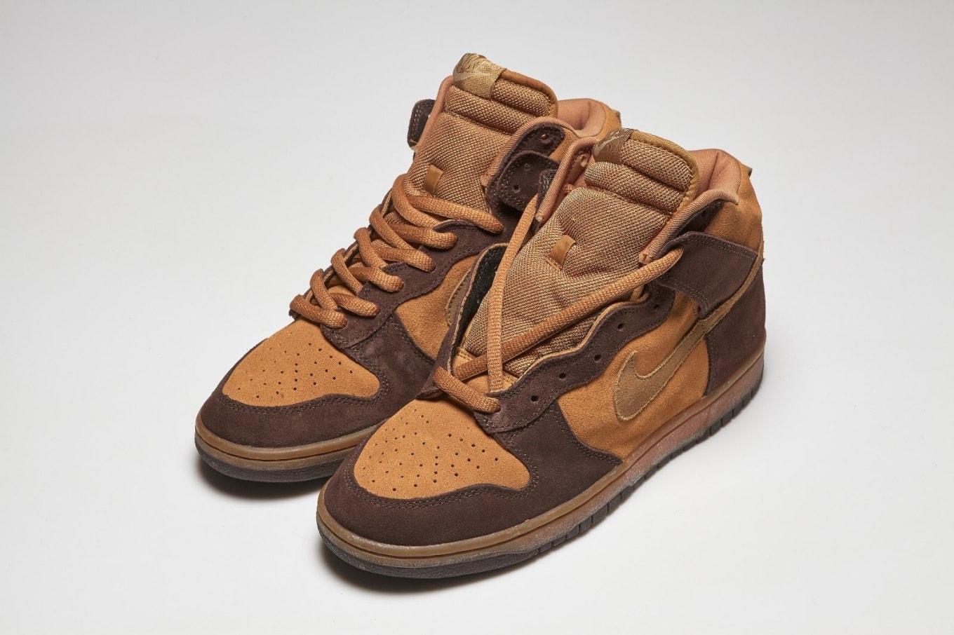 new style fc4fb e2885 Nike SB Dunk High Brown Pack